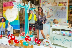 jools_oliver_in_the_mothercare_window_oxford_street-1345561156